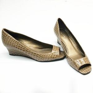 BANDOLINO ▪︎ Croc Stamped Peep Toe Wedge, worn onc